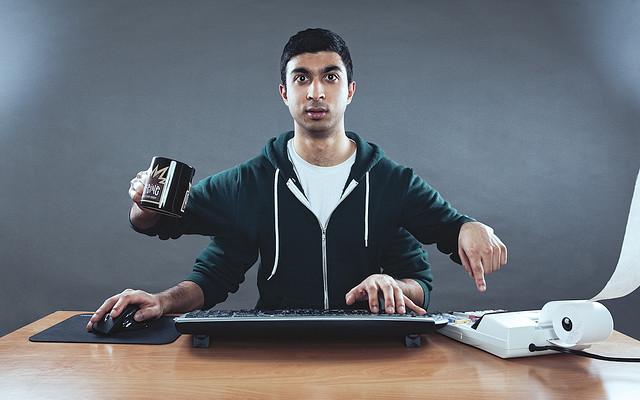 Multitaskingas yra šiuolaikinio darbo votis, tačiau labai dažnai ignoruojama ir netgi vertinama dėl visiškai neracionalių priežasčių